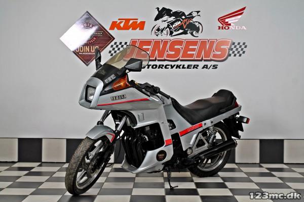 144489on 1986 Yamaha Xj 600