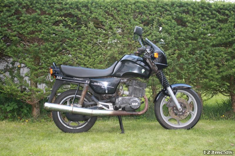 mz etz 301 1994 brugt motorcykel til salg privat. Black Bedroom Furniture Sets. Home Design Ideas